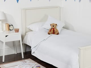 Kid's Bedrooms by King of Cotton King of Cotton Nursery/kid's roomBeds & cribs Cotton White