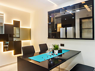 HDB Blk 293B Compassvale Crescent:  Dining room by Renozone Interior design house,