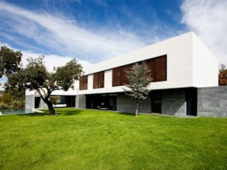 Grupo Procelco, s.l. Modern houses