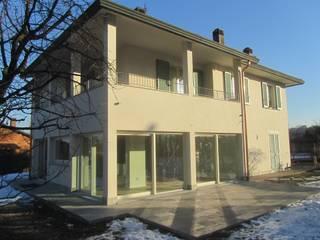 RISTRUTTURAZIONE Case moderne di Rina Agostino Architetto Moderno