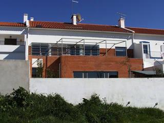 Mediterranean style houses by Cidades Invisíveis, arquitectura e design Lda. Mediterranean