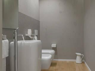 CASA_G: Bagno in stile  di salvatore cannito architetto