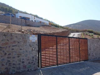 Vivienda L52 Fundo Loreto, La Serena. Casas de estilo mediterráneo de Territorio Arquitectura y Construccion - La Serena Mediterráneo