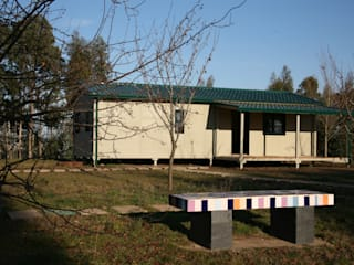 Casas pré fabricadas Casas campestres por Cosquel, Sociedade de Construções Lda Campestre