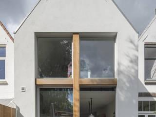 Casas de estilo  por Ruud Visser Architecten
