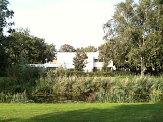 Modern style gardens by Thomas Kemme Architecten Modern