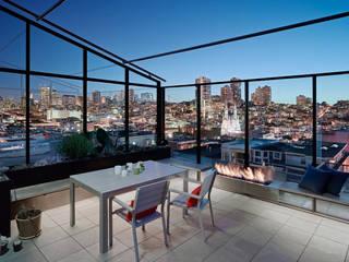 Balkon, Beranda & Teras Modern Oleh Feldman Architecture Modern