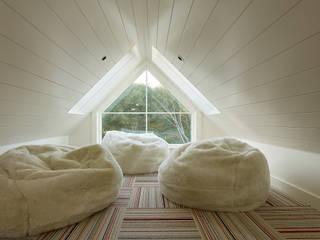 The Grange:  Nursery/kid's room by Feldman Architecture