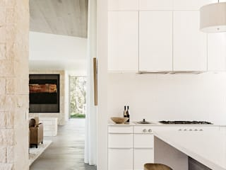 Ranch O|H:  Kitchen by Feldman Architecture