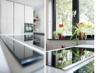 Cocinas modernas de Studio'OW Interieurontwerp Moderno