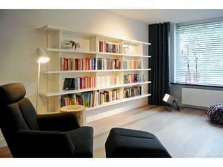 Woonhuis Goirle Moderne woonkamers van Studio'OW Interieurontwerp Modern