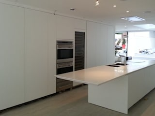 6 Retcliffe Place Diamond Constructions Ltd Modern style kitchen