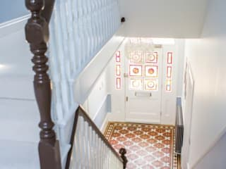 3 Hilbury Road Modern corridor, hallway & stairs by Diamond Constructions Ltd Modern