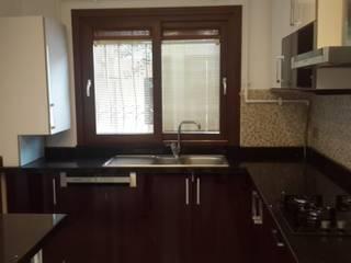 Large Mimarlik – İstanbul Acıbadem Modern Ev Tadilatı:  tarz Mutfak