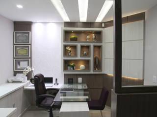 Clinics by Suelen Kuss Arquitetura e Interiores, Modern