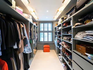 Dressing room by Orchestrate Design and Build Ltd., Modern