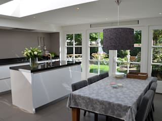 UITBREIDING WONING: moderne Keuken door Gradussen Bouwkunst & Interieurarchitectuur BNA BNI