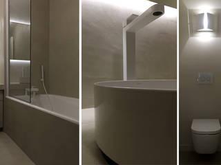 salle de bain: Salle de bains de style  par AGENCE APOLLINE TERRIER