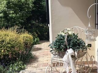 Jardines de estilo rústico de casa&stile interior design e ristrutturazioni Rústico