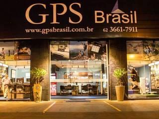Loja GPS Brasil - Goiânia/GO: Lojas e imóveis comerciais  por Marcos Gouvêa Arquitetura