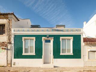 Terras 8 Casas minimalistas por Colectivo Cais Minimalista
