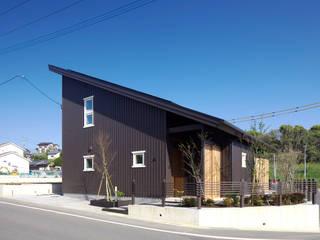 บ้านและที่อยู่อาศัย โดย 環アソシエイツ・高岸設計室,
