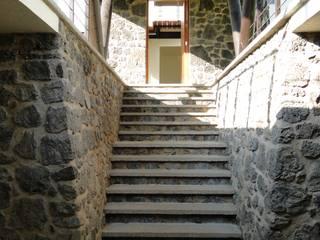 Casa habitacion Entre dos arboles en Cuernavaca: Casas de estilo  por rochen