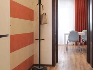 Однокомнатная квартира 40м2 в Гринпарке. Коридор, прихожая и лестница в эклектичном стиле от Оксана Хартэк Эклектичный