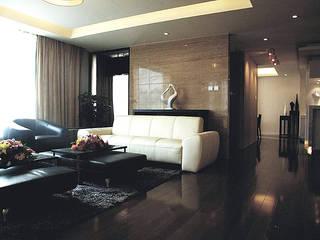 Ruang Keluarga Klasik Oleh 直譯空間設計有限公司 Klasik