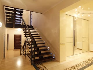 Eclectic corridor, hallway & stairs by ARHITEKTO Eclectic