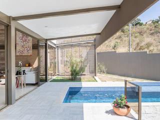 Casa do Cerrado CoGa Arquitetura Piscinas modernas