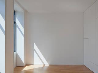Casa Maternidade Quartos minimalistas por Pablo Pita Architects Minimalista