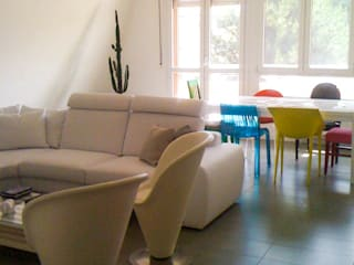 INTERIOR DESIGN | RENOVATION OF THE HOUSE E & F Soggiorno moderno di FLAPstudio | ArchitecturalDesignLAB Moderno