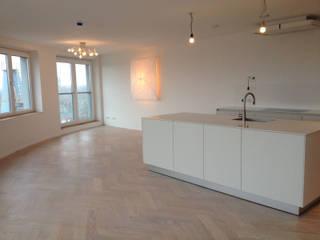Appartement in Utrecht Minimalistische keukens van Linda Zadelaar interierarchitectuur bni Minimalistisch