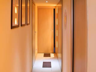 corridor: Ingresso & Corridoio in stile  di FLAPstudio | ArchitecturalDesignLAB