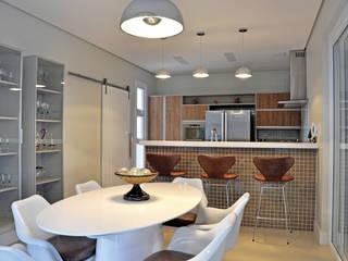 RESIDÊNCIA Cozinhas modernas por VOLF arquitetura & design Moderno