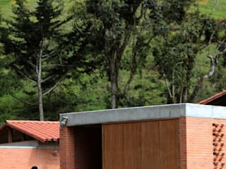BASSICO ARQUITECTOS Single family home Bricks