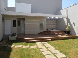 Casa MR Spa moderno por Alexandre Senra Arquitetos Associados Moderno