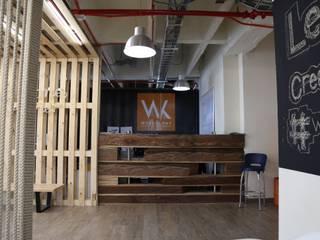 : Oficinas y Tiendas de estilo  por Gamma