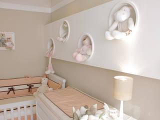 QUARTO BEBÊ | CURITIBA | PARANÁ Quarto infantil moderno por Graf Arquitetura & Interiores Moderno