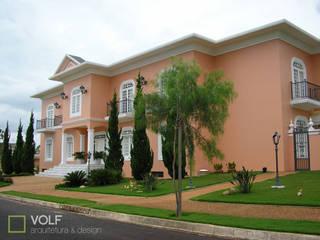 FACHADA PRINCIPAL: Casas  por VOLF arquitetura & design