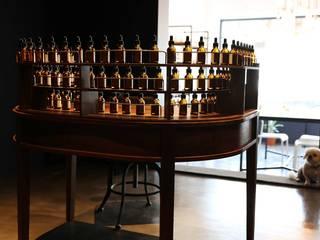 73 Perfumery: Studio 李心田心 스튜디오 이심전심 건축사 사무소의 클래식 ,클래식