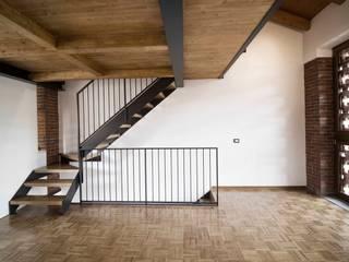 Area living: Soggiorno in stile in stile Rustico di Lascia la Scia S.a.s.