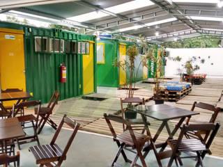 Hosteiner - Albergue em Container Jardins modernos por Arktectus Arquitetura Sustentável Moderno