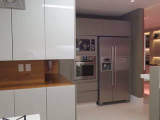 Dapur Modern Oleh Daniela Viana e Lilian Maravai Arquitetura Modern
