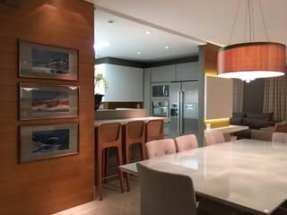 Ruang Makan Modern Oleh Daniela Viana e Lilian Maravai Arquitetura Modern