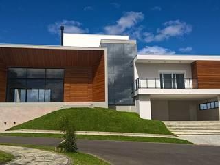 โดย Daniela Viana e Lilian Maravai Arquitetura โมเดิร์น