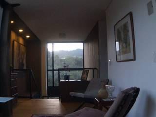 Pasillos y hall de entrada de estilo  por Más Lados Arquitectura, Moderno