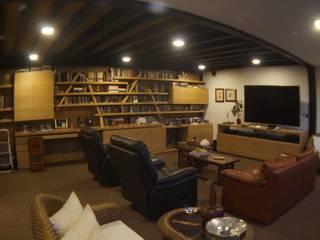 Estudios y biblioteca de estilo  por Más Lados Arquitectura, Moderno