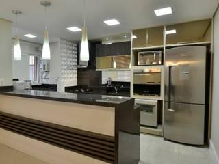 Graça Brenner Arquitetura e Interiores 現代廚房設計點子、靈感&圖片 MDF Wood effect